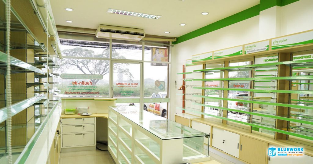 ออกแบบตกแต่งร้านขายยาดรักแอนด์ฟาร์ม่า-drug&pharma